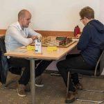 Brett 1: links GM Marin Bosiocic (Elo 2623) gegen IM Gabriel Gaehwiler (Elo 2410)